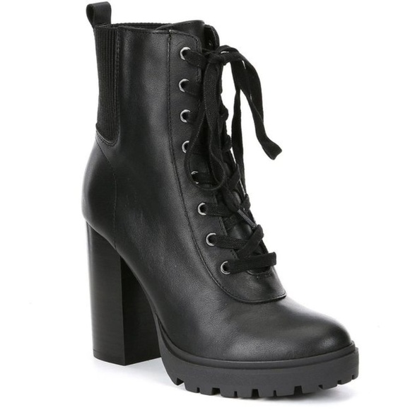 852068cafa7 NWOB Steve Madden Latch Laurie Leather Bootie 8.5.  M 5bff110fc9bf50fad0f096b8
